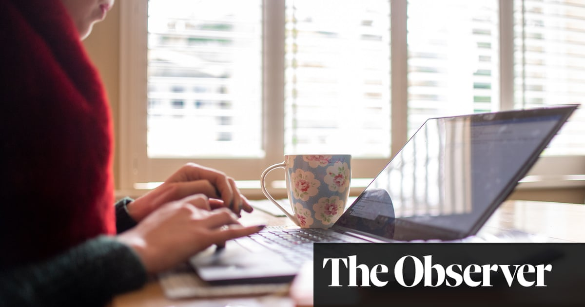 Working from home in UK over winter 'will add £100 to fuel bills'